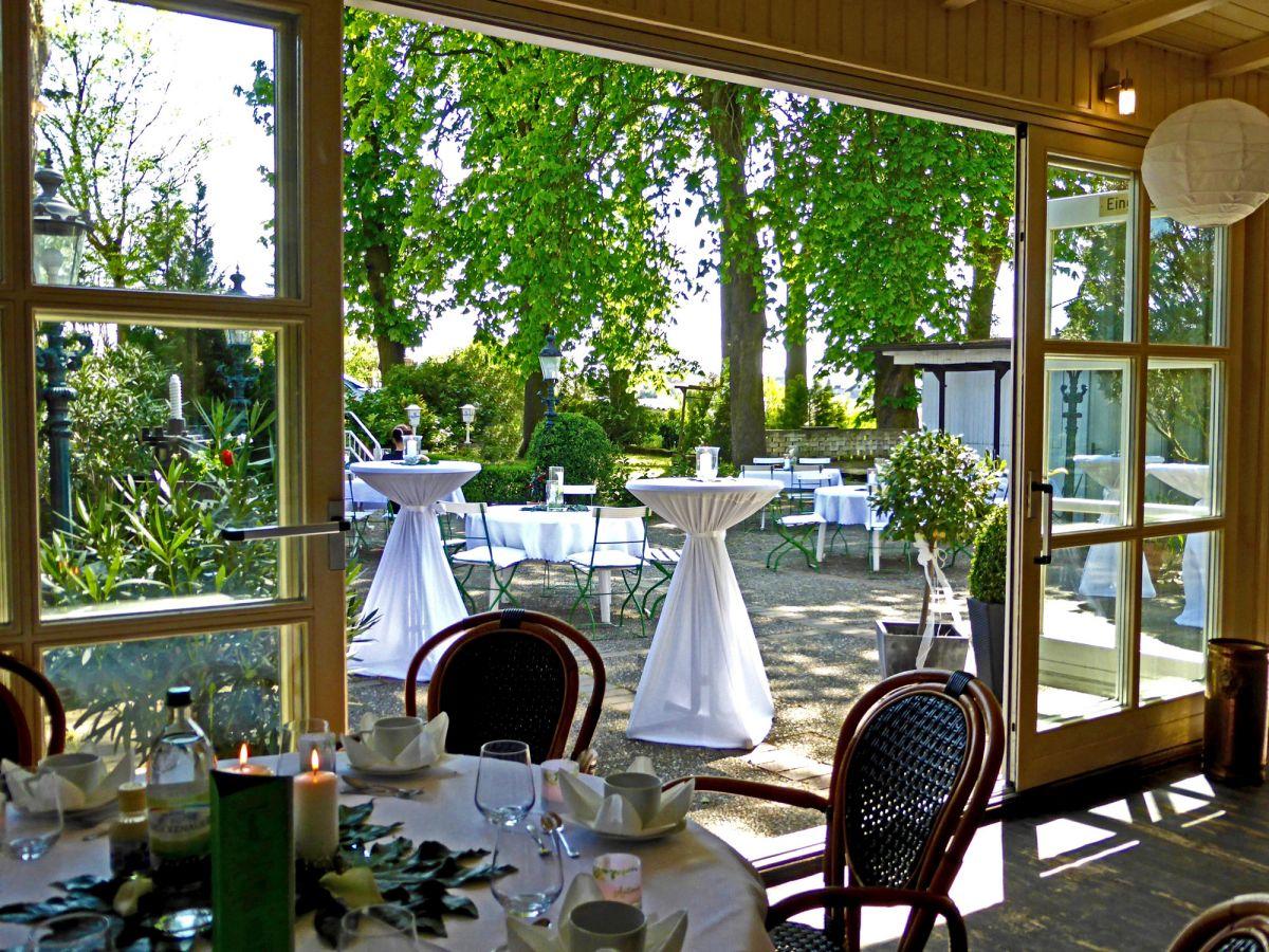 Garten Wiese Bei Stuttgart Feiern Zelten Camping Lugares Para